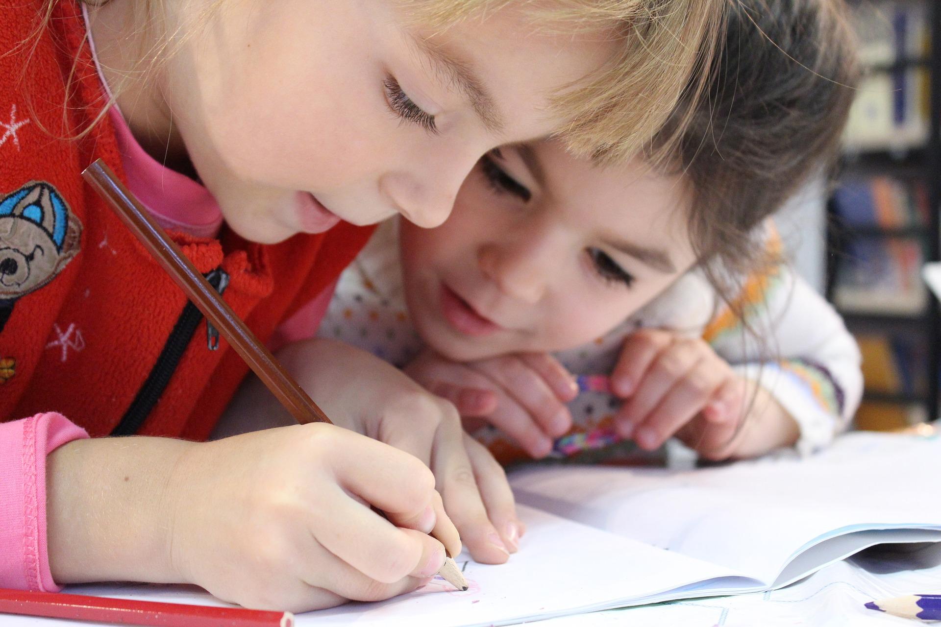 書く子ども